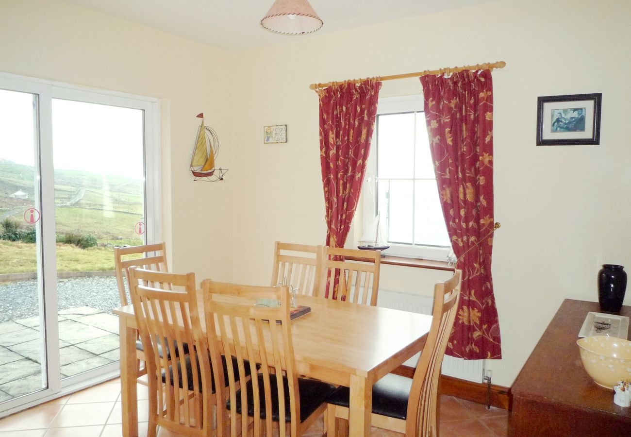 Allaghee Mor Holiday Home, Seaside Holiday Accommodation Available in Ballinskelligs County Kerry