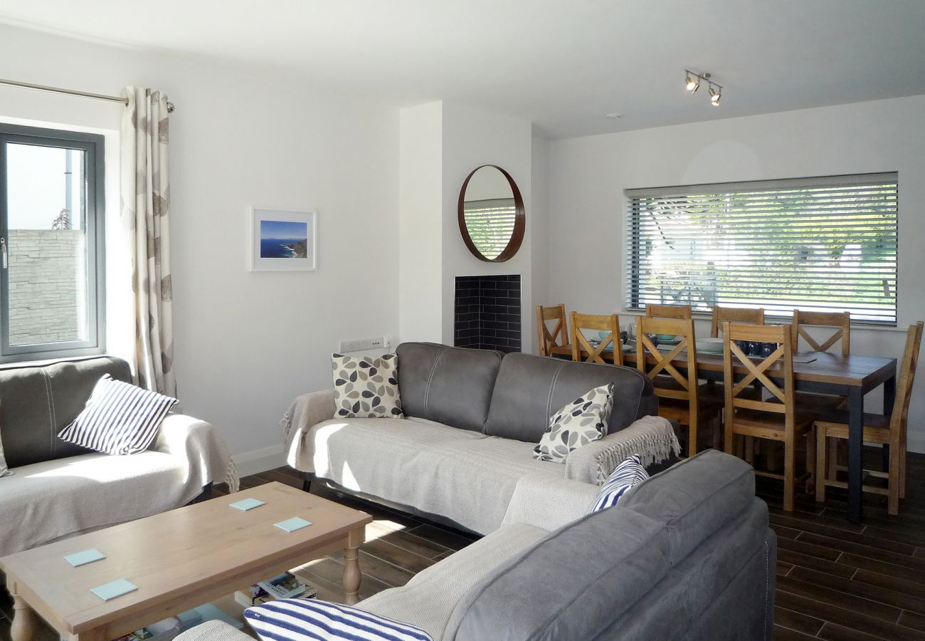 Purple Mountain, Pet Friendly Holiday Accommodation Available in Killarney County Kerry
