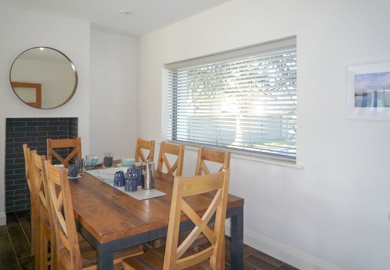 Purple Mountain Holiday Home, Modern Pet Friendly Accommodation Available in Killarney County Kerry