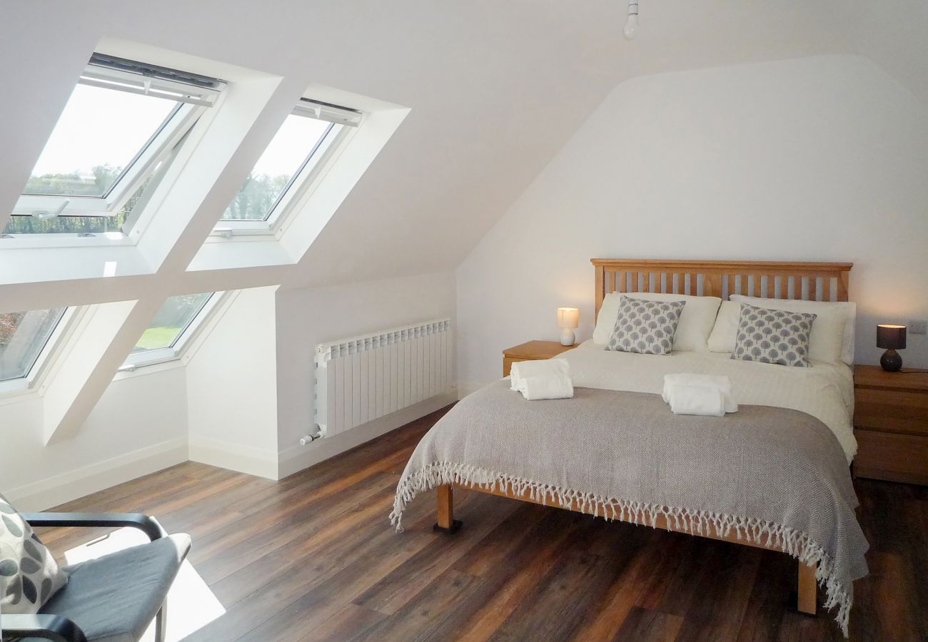 Purple Mountain Holiday Home, Modern Pet Friendly Accommodation Available in Killarney County Kerryy