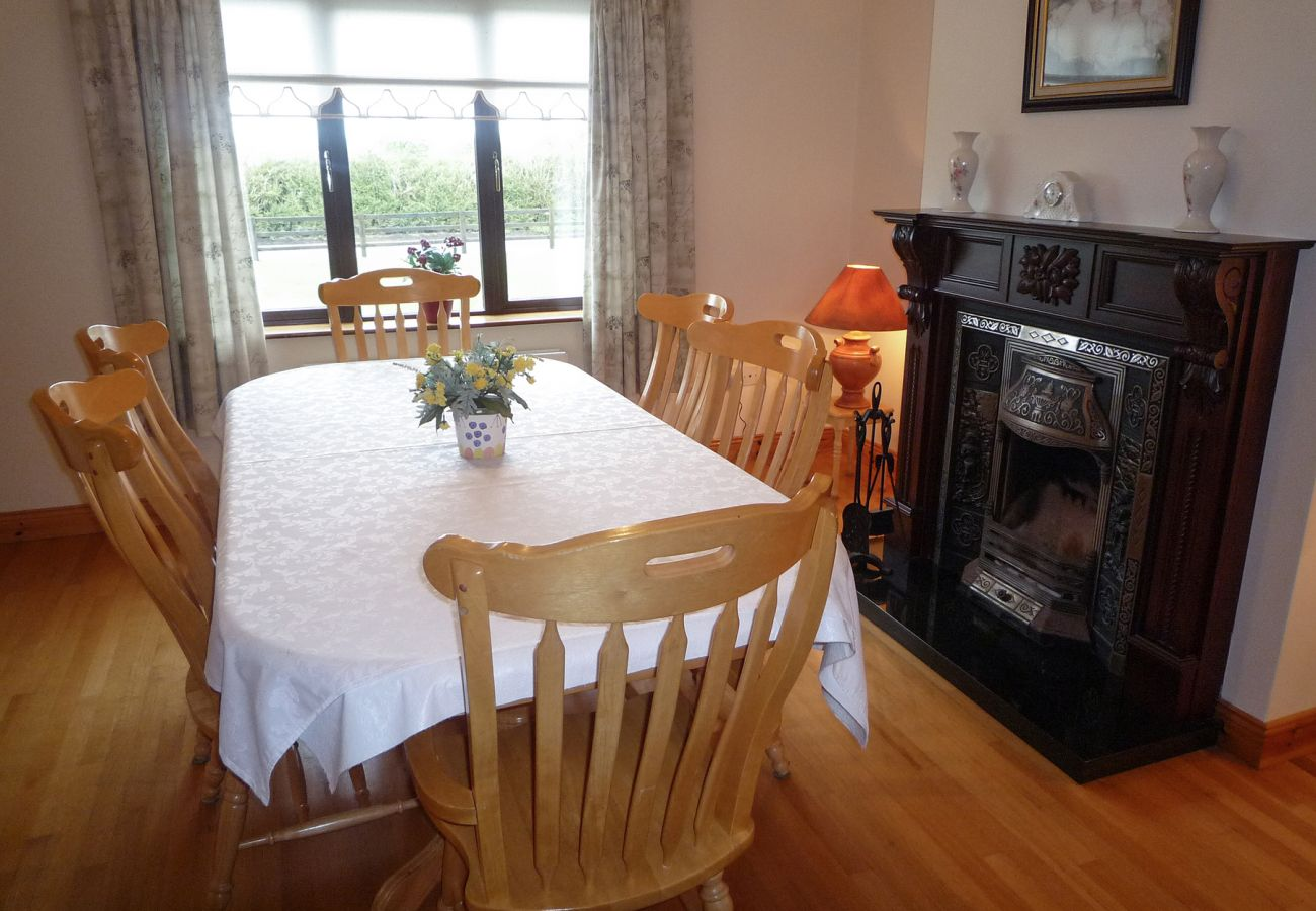 Boherbue Holiday Home Large Pet Friendly Holiday Accommodation near Mallow, County Cork