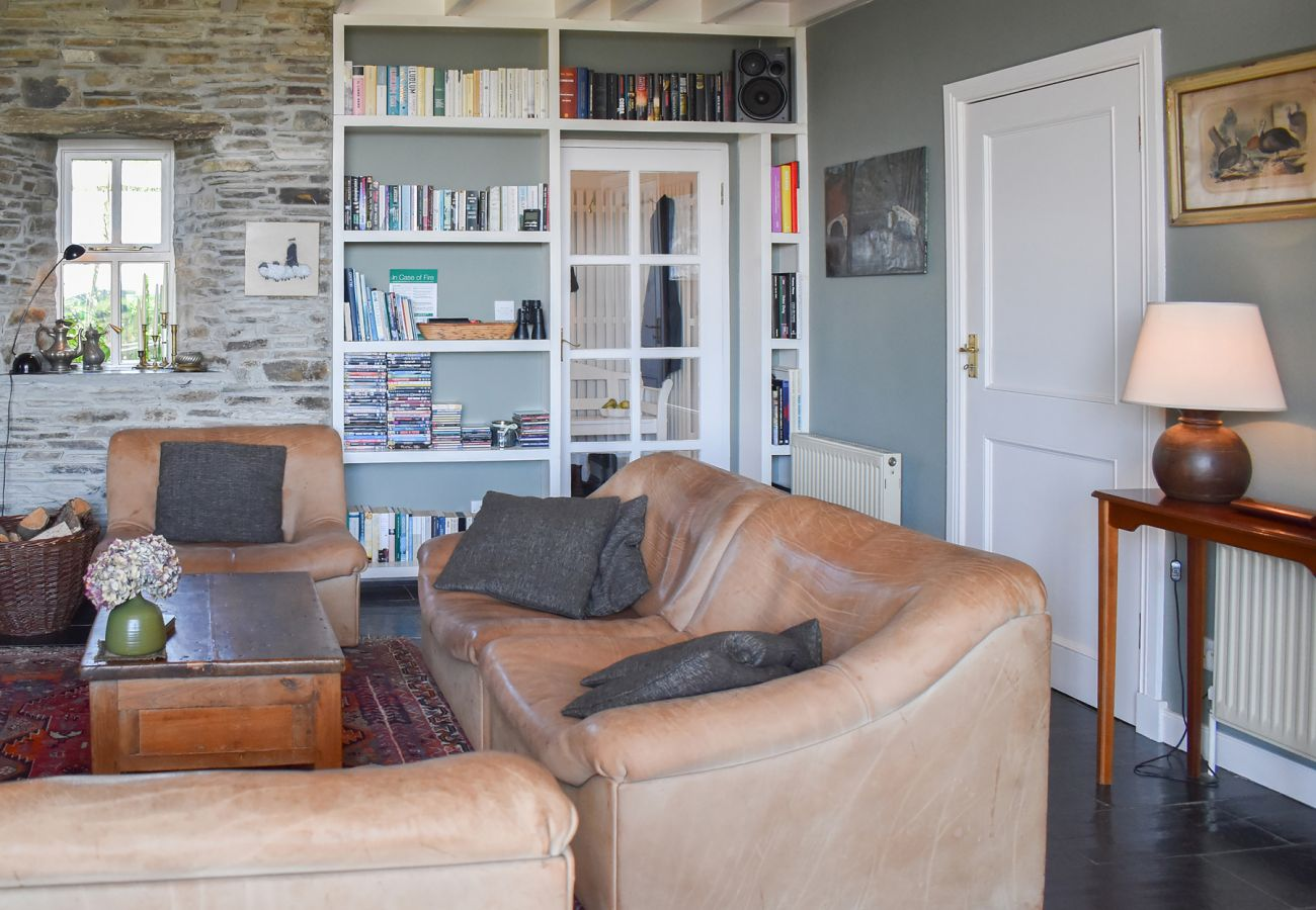 Ardura Beg Cottage, Seaside Holiday Accommodation Available near Ballydehob, County Cork