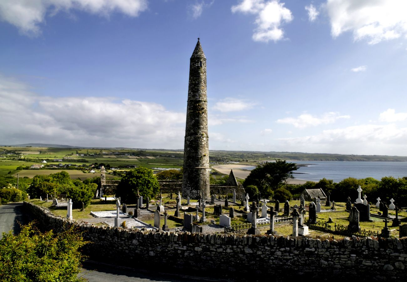 The Round Tower, Ardmore Historic Town Waterford © Tourism Ireland