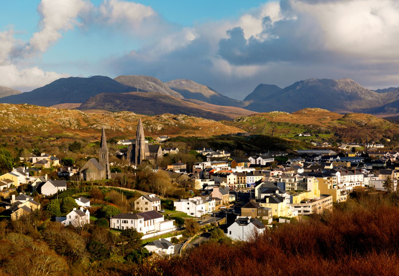 Clifden Connemara The Twelve Pins Galway © Tourism Ireland
