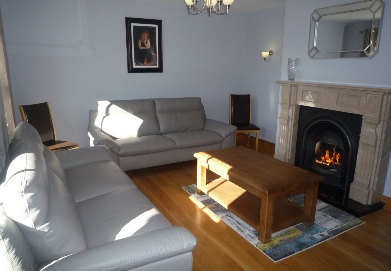 Derryleigh House, Luxury Self Catering Holiday Accommodation available in Boherbue, County Cork