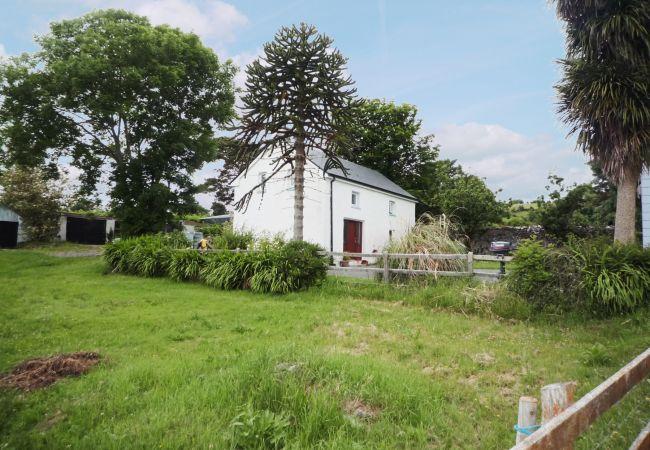 Brookfield Cottage, Traditional Irish Holiday Accommodation in Tourmakeady, County Mayo