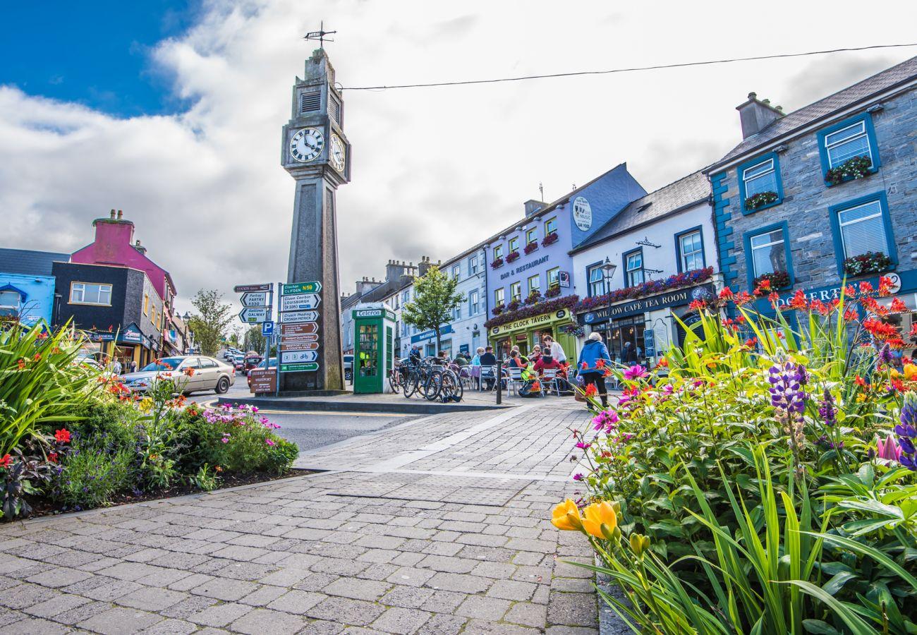 Westport Town Clock, Westport Town, County Mayo © Pawel Sadowski
