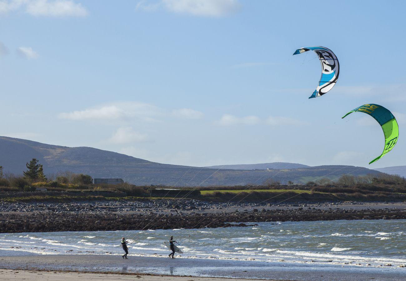 Kitesurfing on Traught Beach, Kinvara, Co Galway ©Failte Ireland © Courtesy of Stephen Duffy