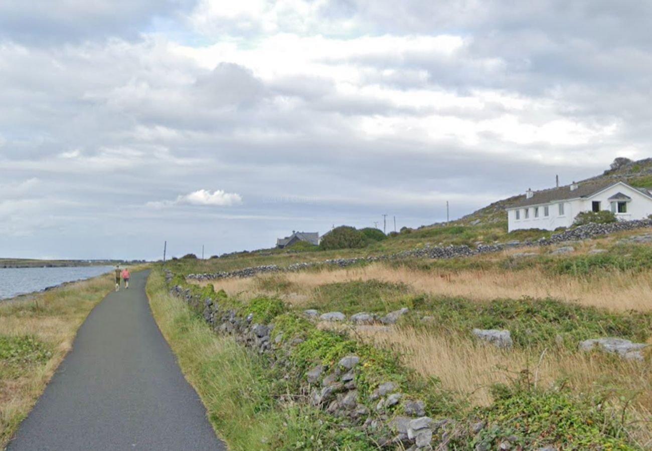 Flaggy Shore Cottage, Holiday Accommodation with Sea Views near New Quay, County Clare