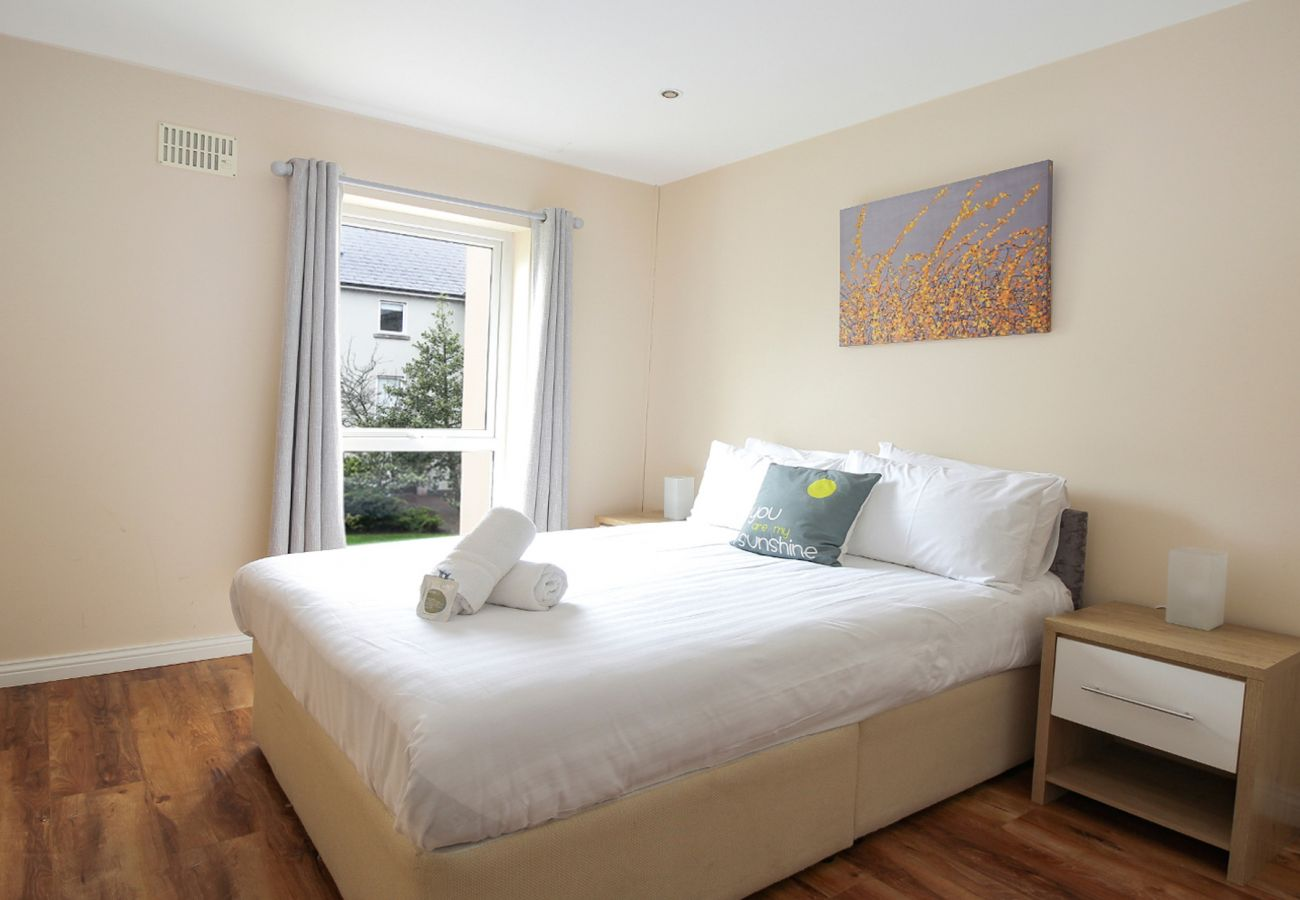 Dock Street No.32, Luxury Family Friendly Holiday Home, Galway City, County Galway