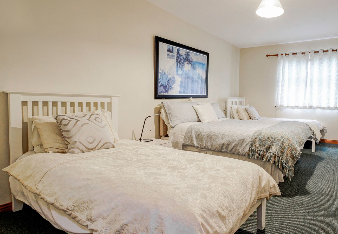 Galway City Self Catering Holiday Townhouse in Galway City, County Galway