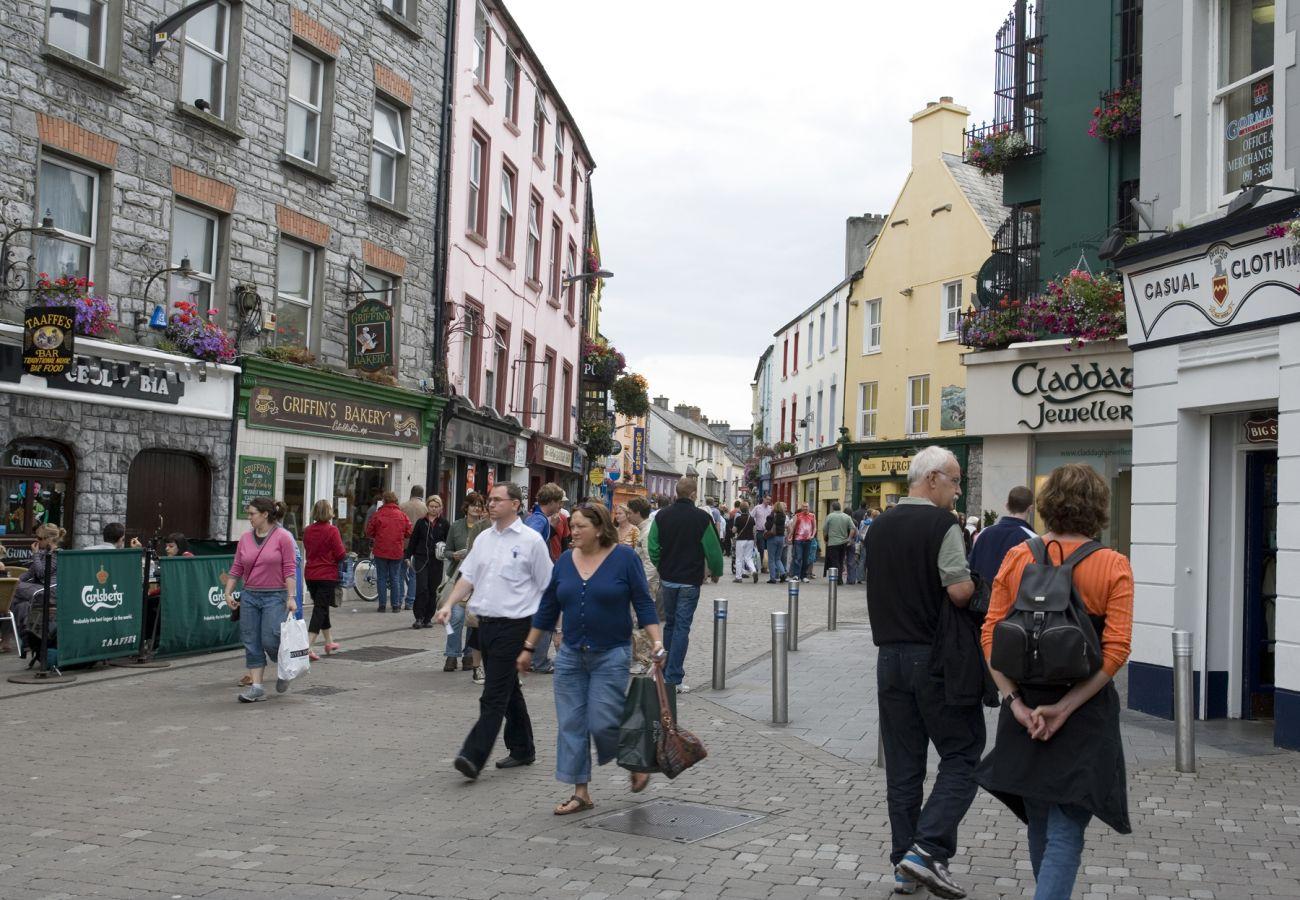 Shop Street, Galway City Centre, County Galway © Tourism Ireland & Failte Ireland