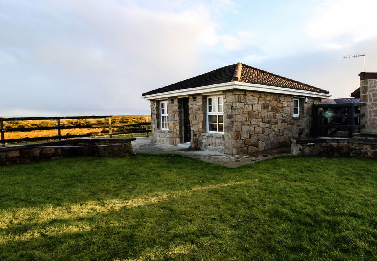 Adorable Self-Catering Bushy Park Holiday Stone Cottage near Galway City, County Galway