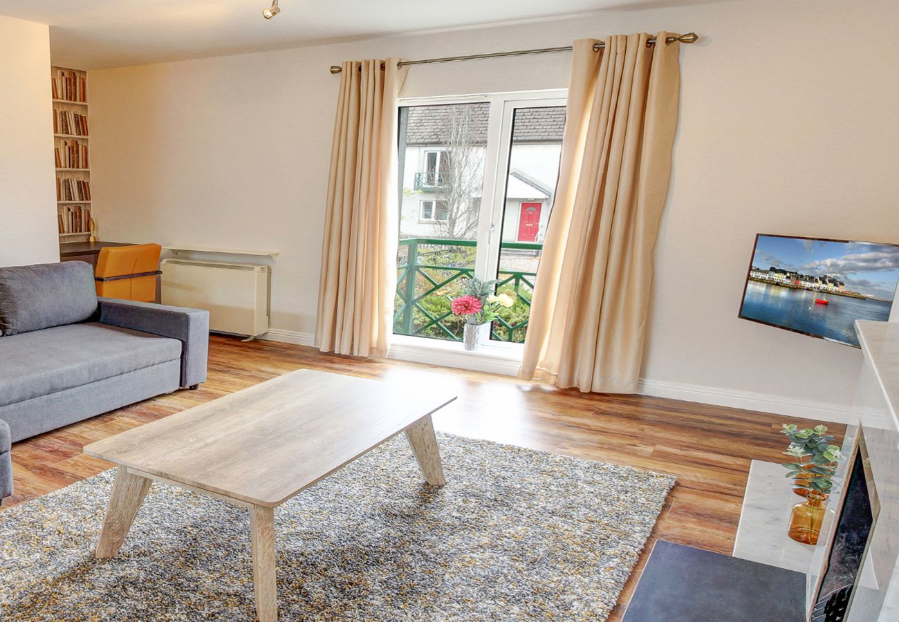 Latin Quarter Self-Catering Family Holiday Townhouse, Galway City, County Galway