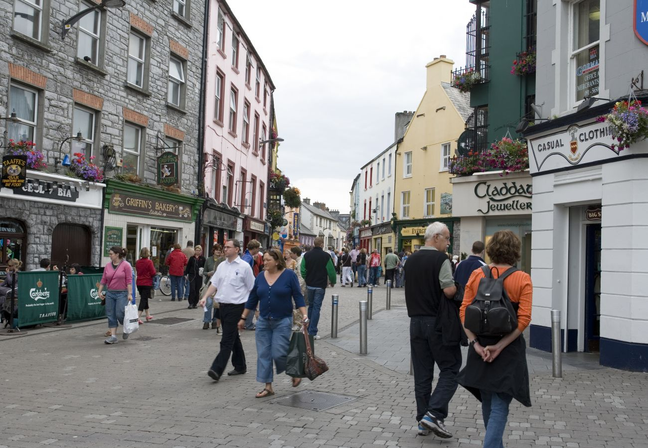 Shop Street, Galway City, County Galway © Tourism Ireland & Failte Ireland