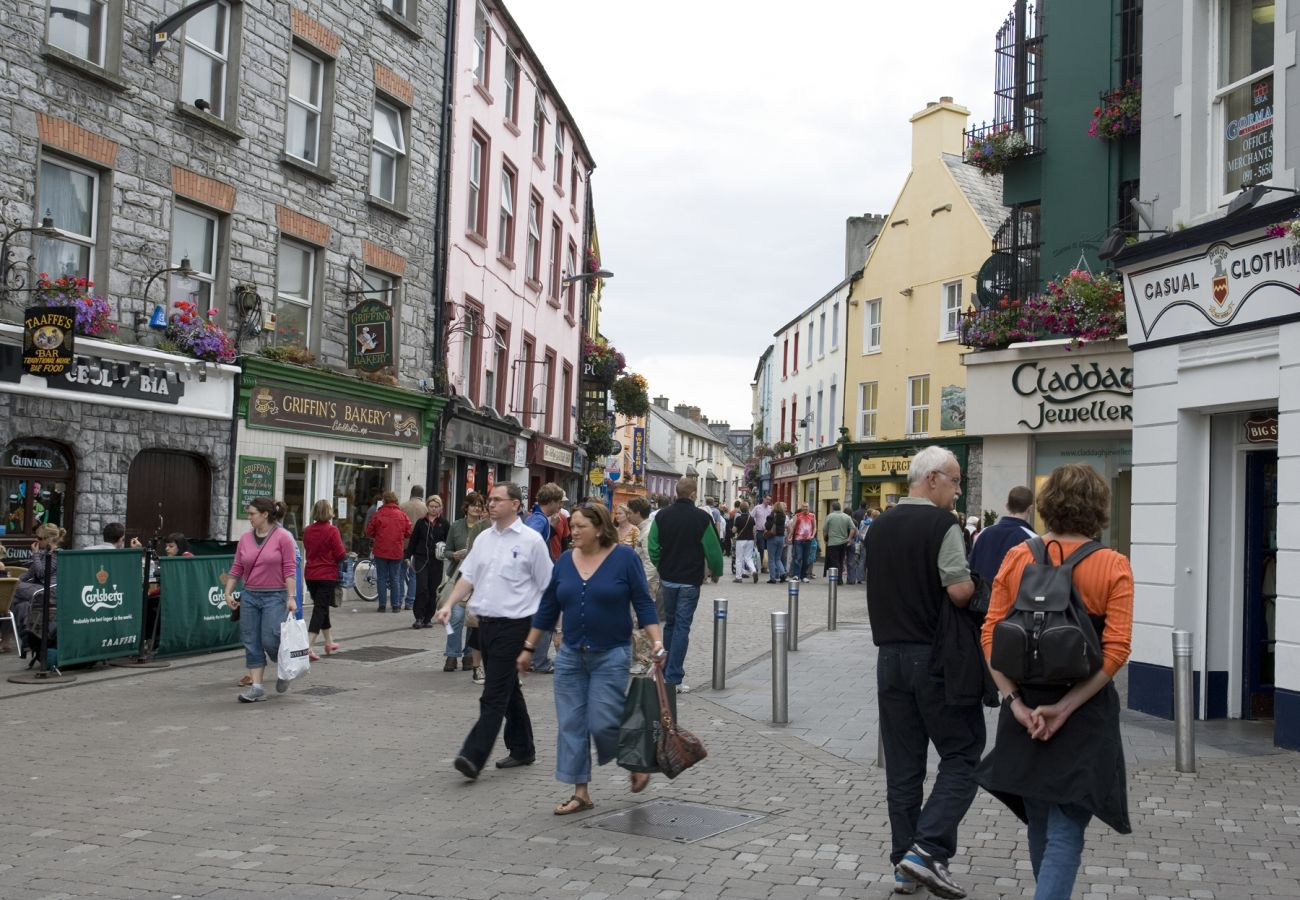 Shop Street, Galway City, County Galway © Tourism Ireland & Failte Ireland