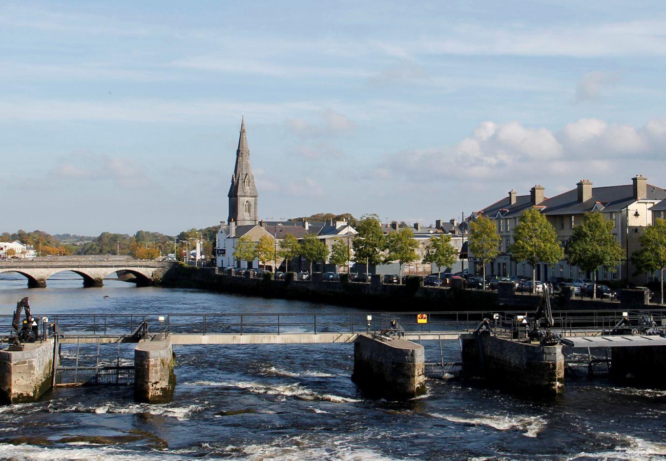 Ballina, County Mayo © Fáilte Ireland