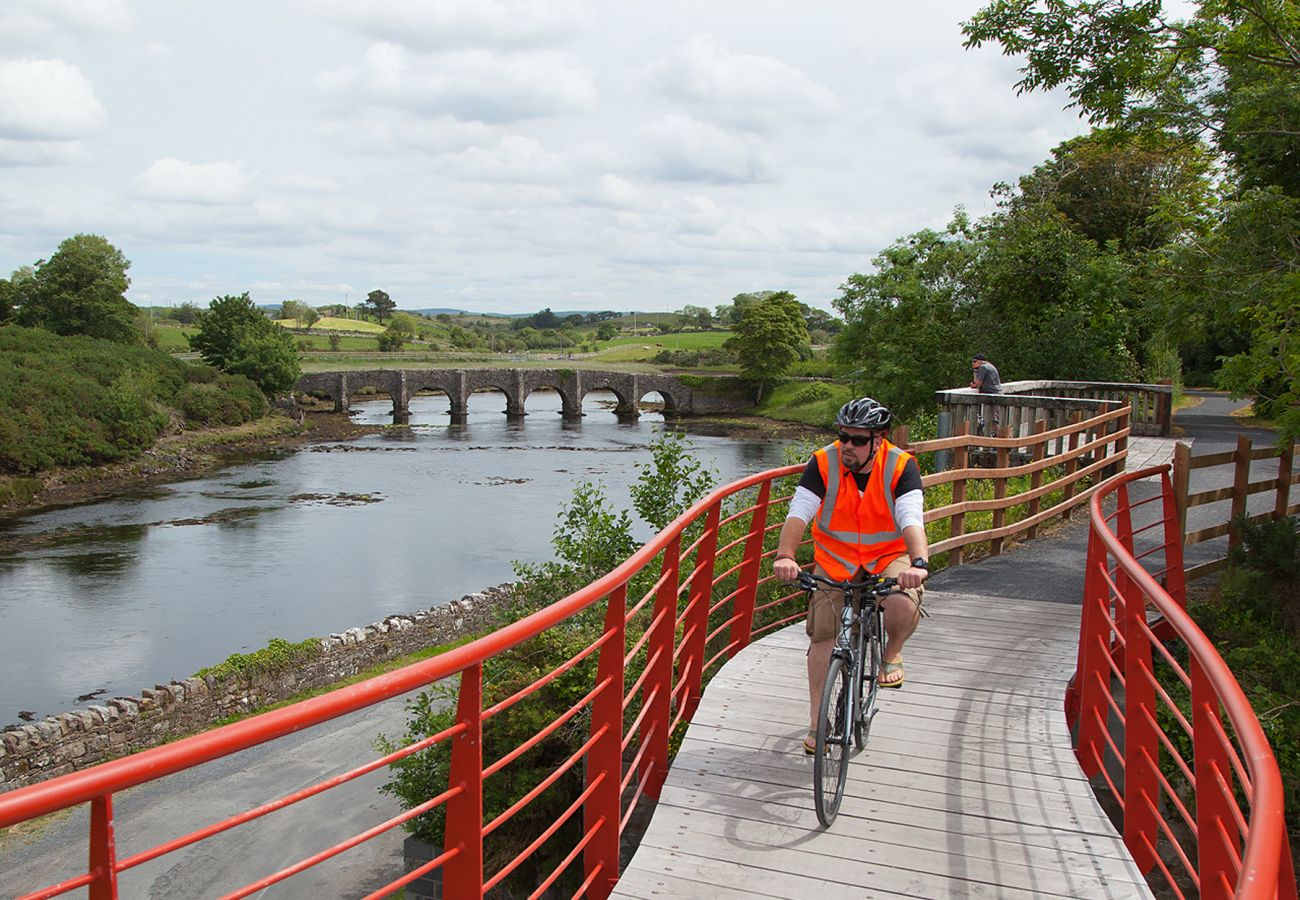 Great Western Greenway near Newport, County Mayo © Fáilte Ireland Credit Line Courtes