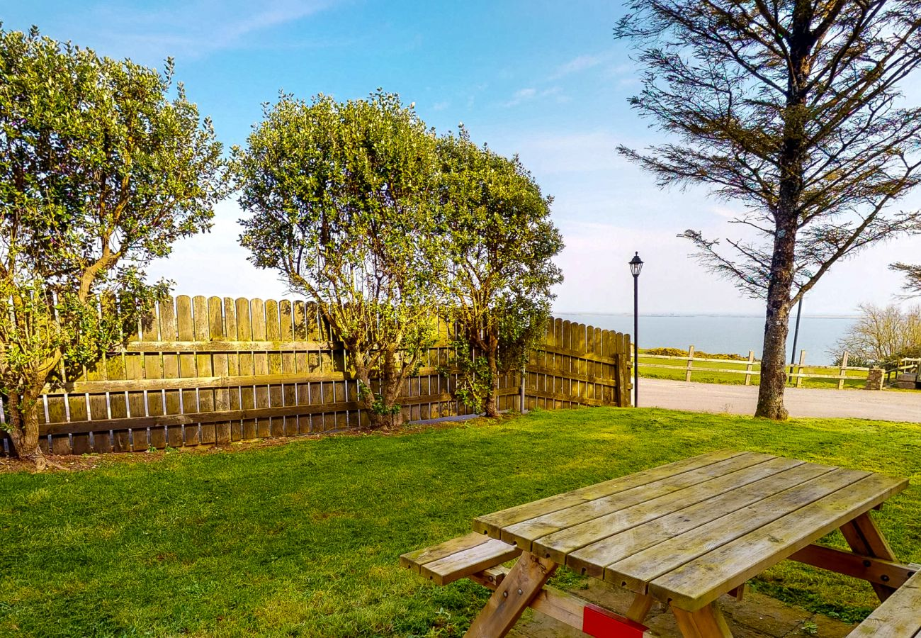 Spacious Self-Catering Seacliff Holiday Home No. 8, Dunmore East, County Waterford