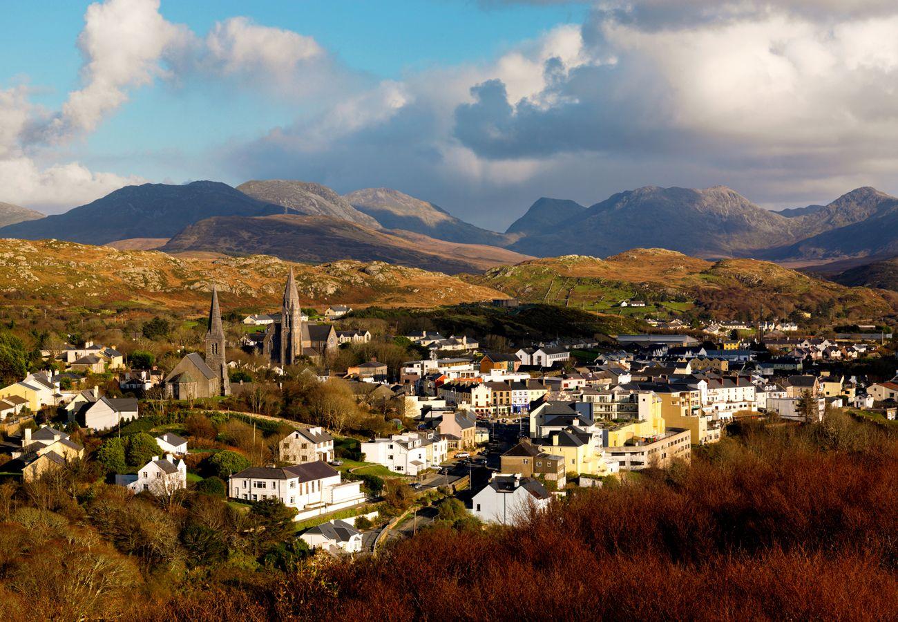 Clifden Connemara The Twelve Pins Galway © Tourism Ireland