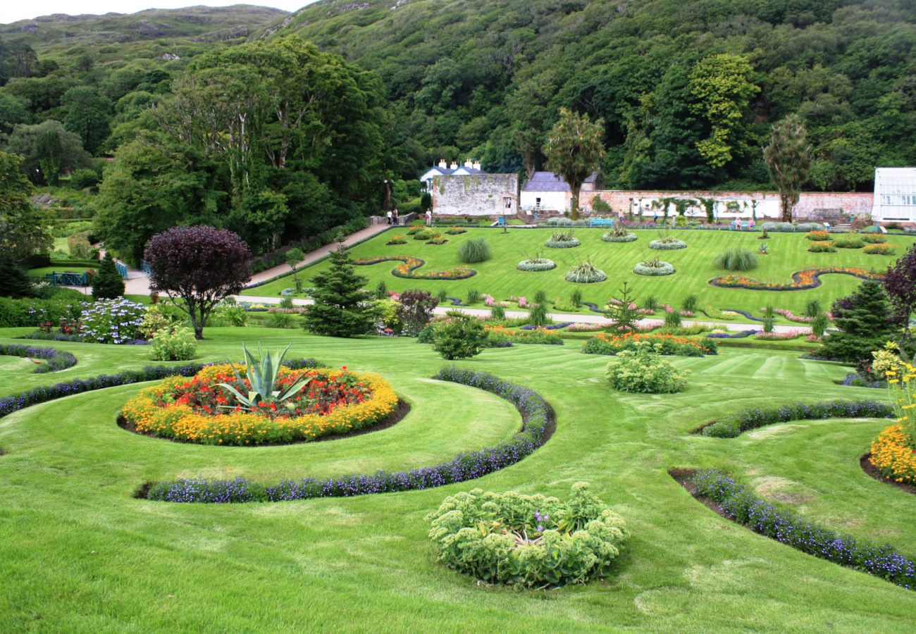 Kylemore Abbey Connemara Galway © Trident Holiday Homes