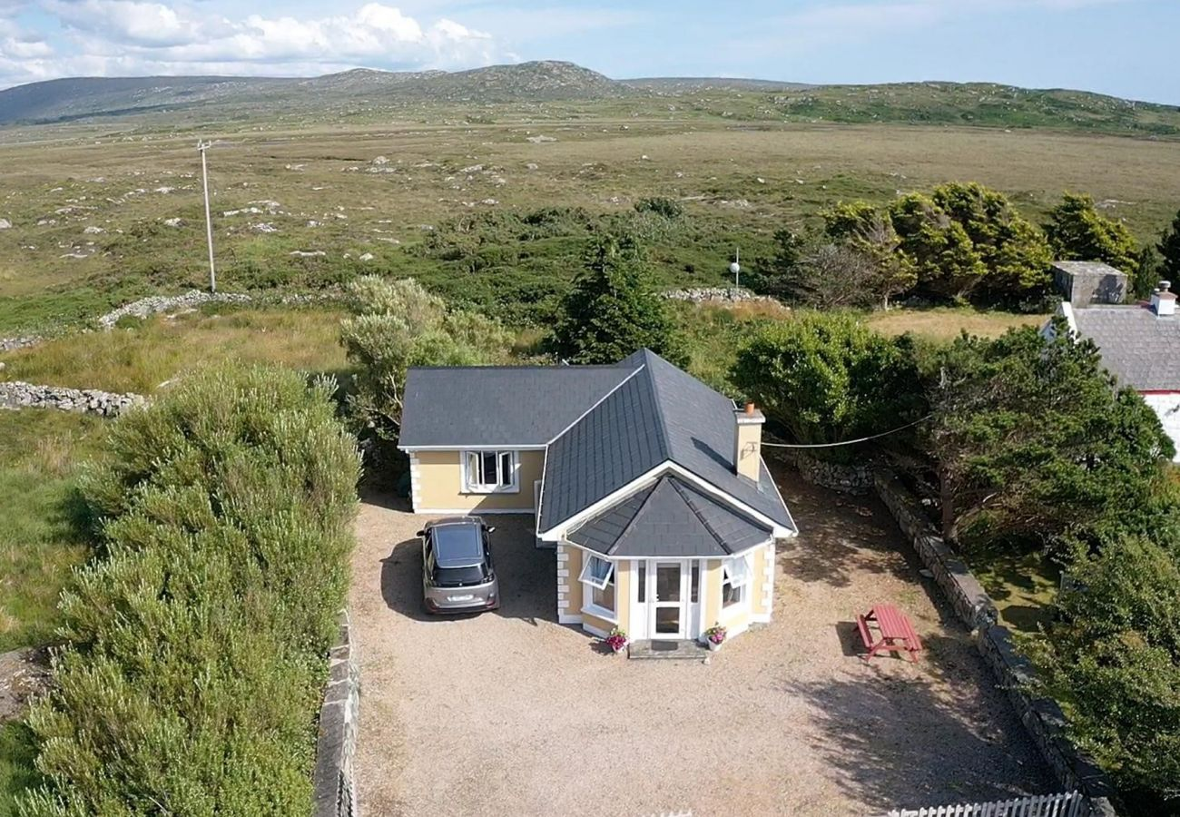 Tigh Sheamuis, Self-Catering Holiday Accommodation near Carna, Connemara, County Galway