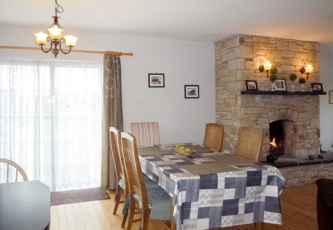 Charming Shannon's Gate Self-Catering Holiday Home near Killorglin, County Kerry