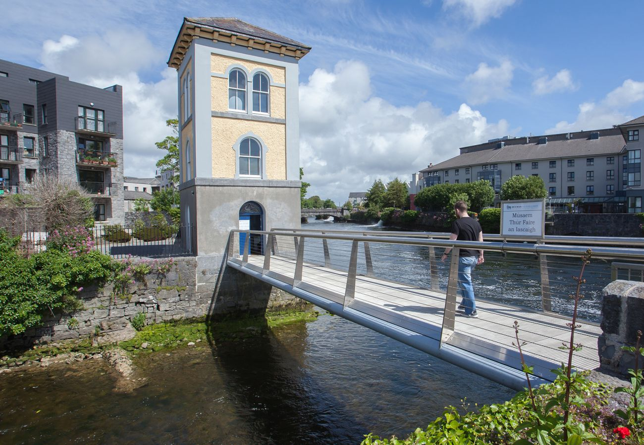 Bay Coast, Fishery Tower Galway, Ireland © Tourism Ireland