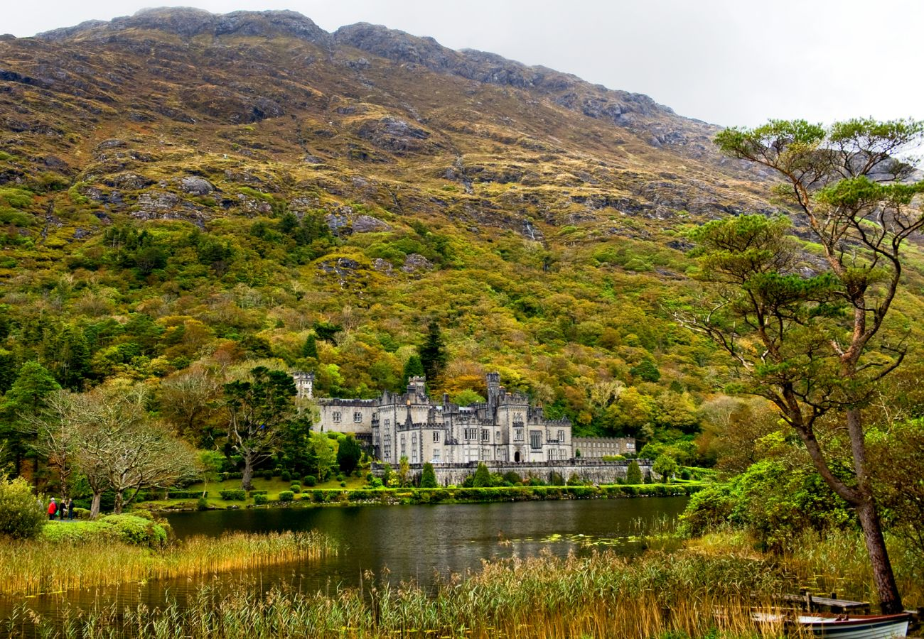 Kylemore Abbey, County Galway © Chris Hill Photographic 2011
