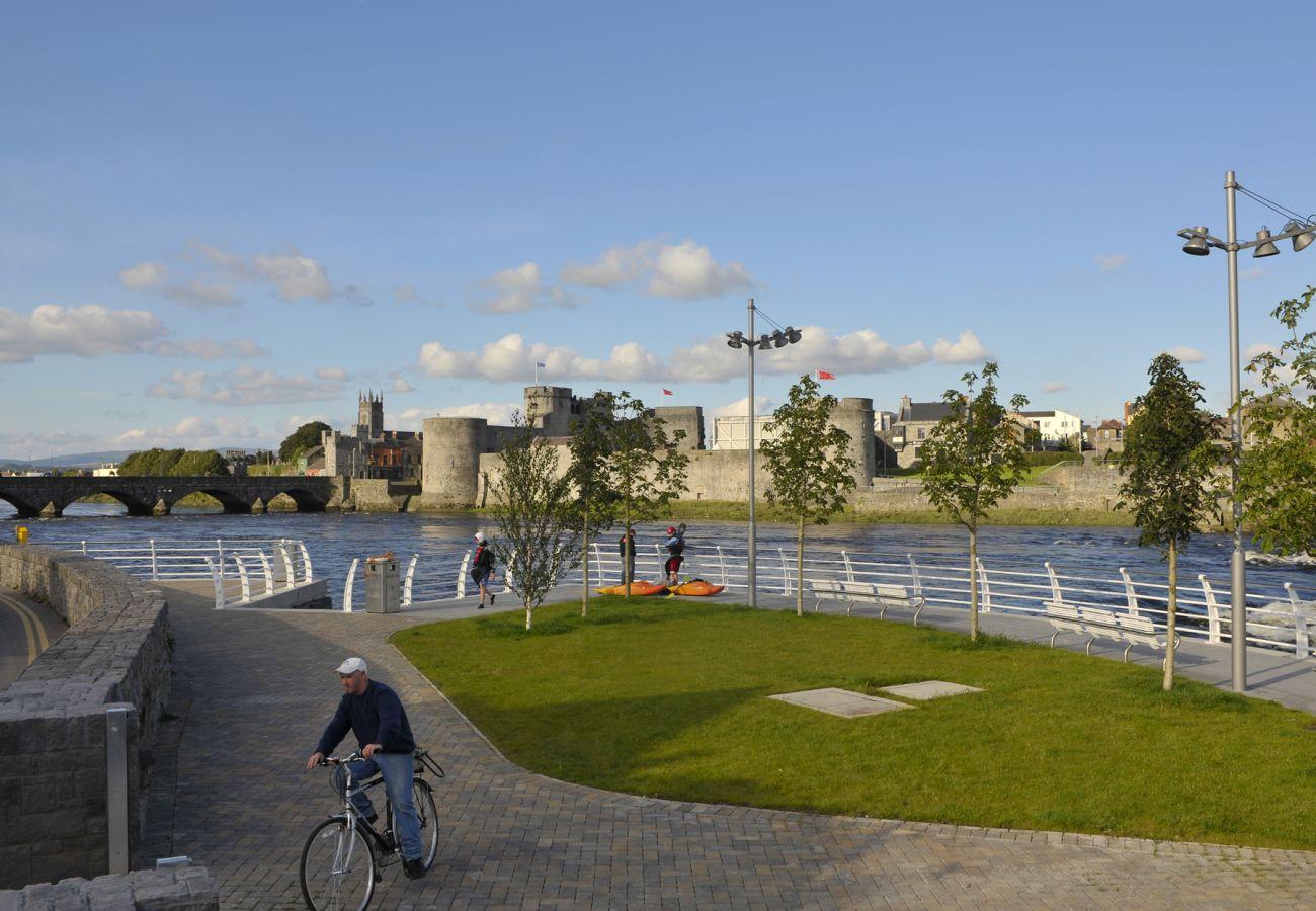 Clancy Strand, Limerick City © Failte Ireland