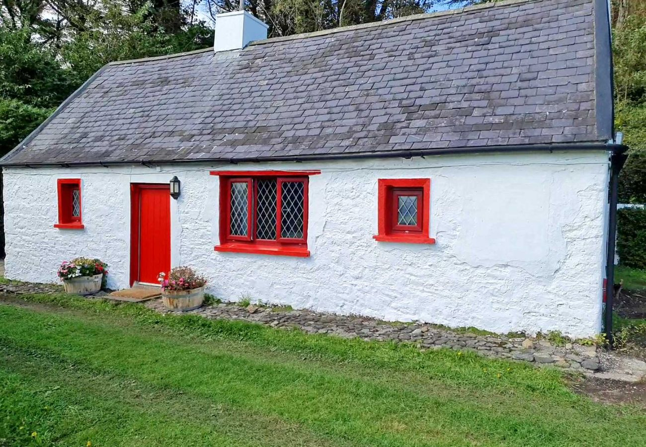 Wreckers Cottage, Traditional Seaside Self-Catering Accomodation near Dunmore East, County Waterford