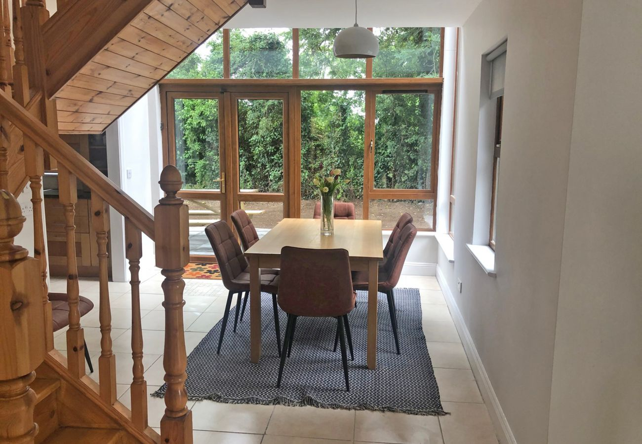 Spacious Self-Catering Old Court House, Family-Friendly Holiday Home near Terryglass, County Tipperary