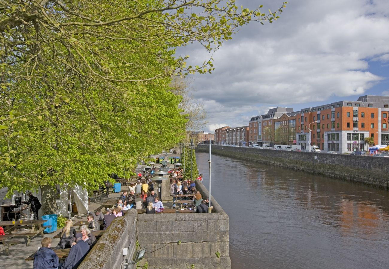 Limerick City, County Limerick © Tourism Ireland