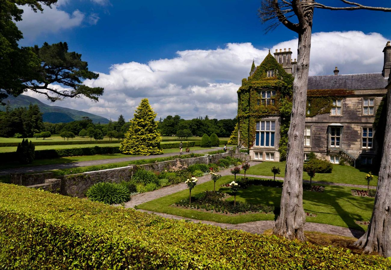 Muckross House and Gardens, County Kerry © Chris Hill Photographic 2009