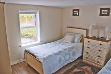Tigin Mamo Holiday Cottage, Holiday Home with Sea Views near Glenbeigh in Kerry