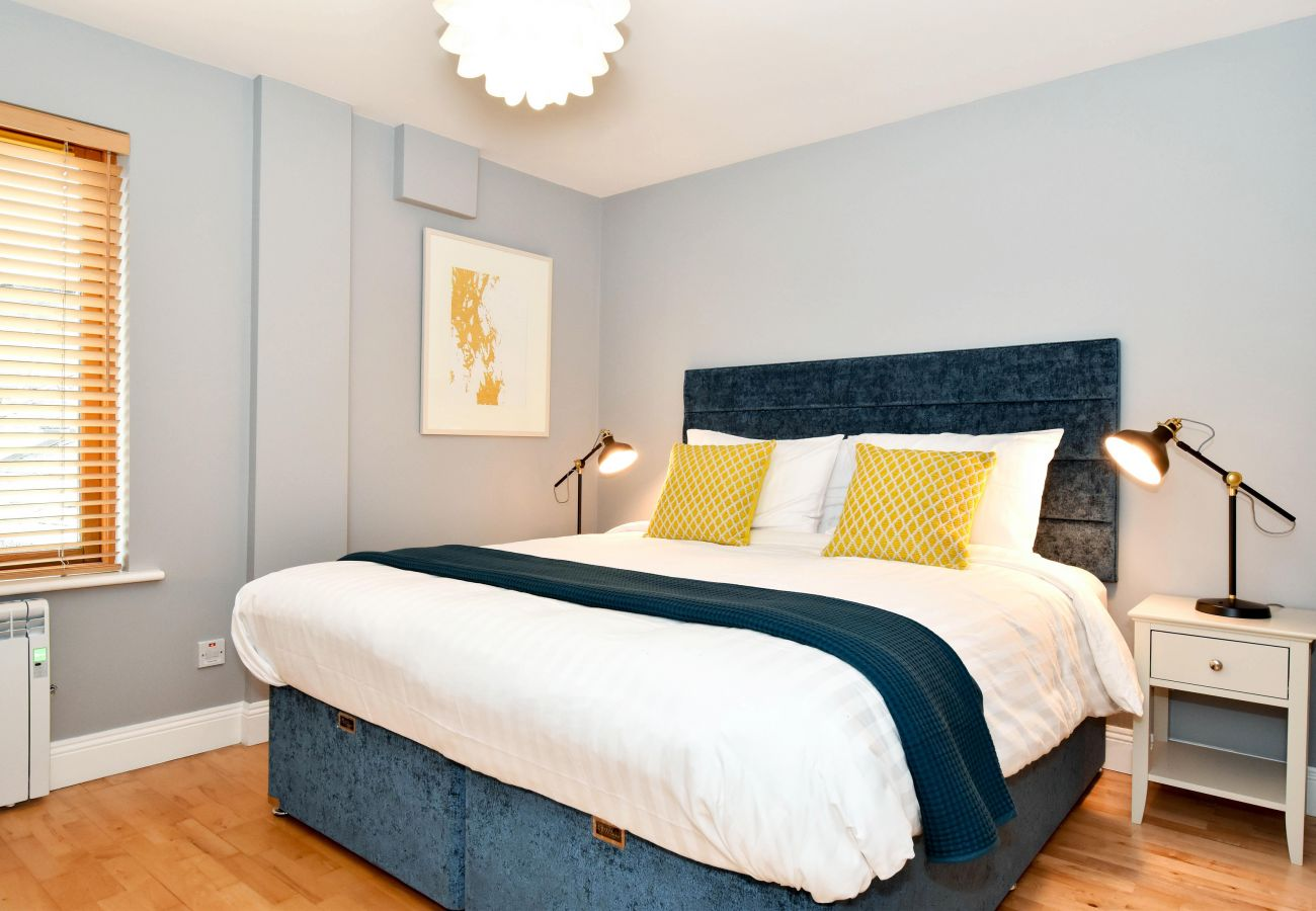 Clifden Town Holiday Apartment (Second Floor), Modern Holiday Accommodation Available in Clifden Town, County Galway