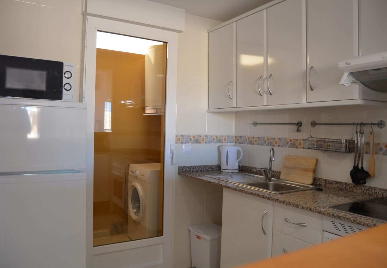 Well equipped and spacious kitchen in Albatros 1 Aparment - Resort Choice