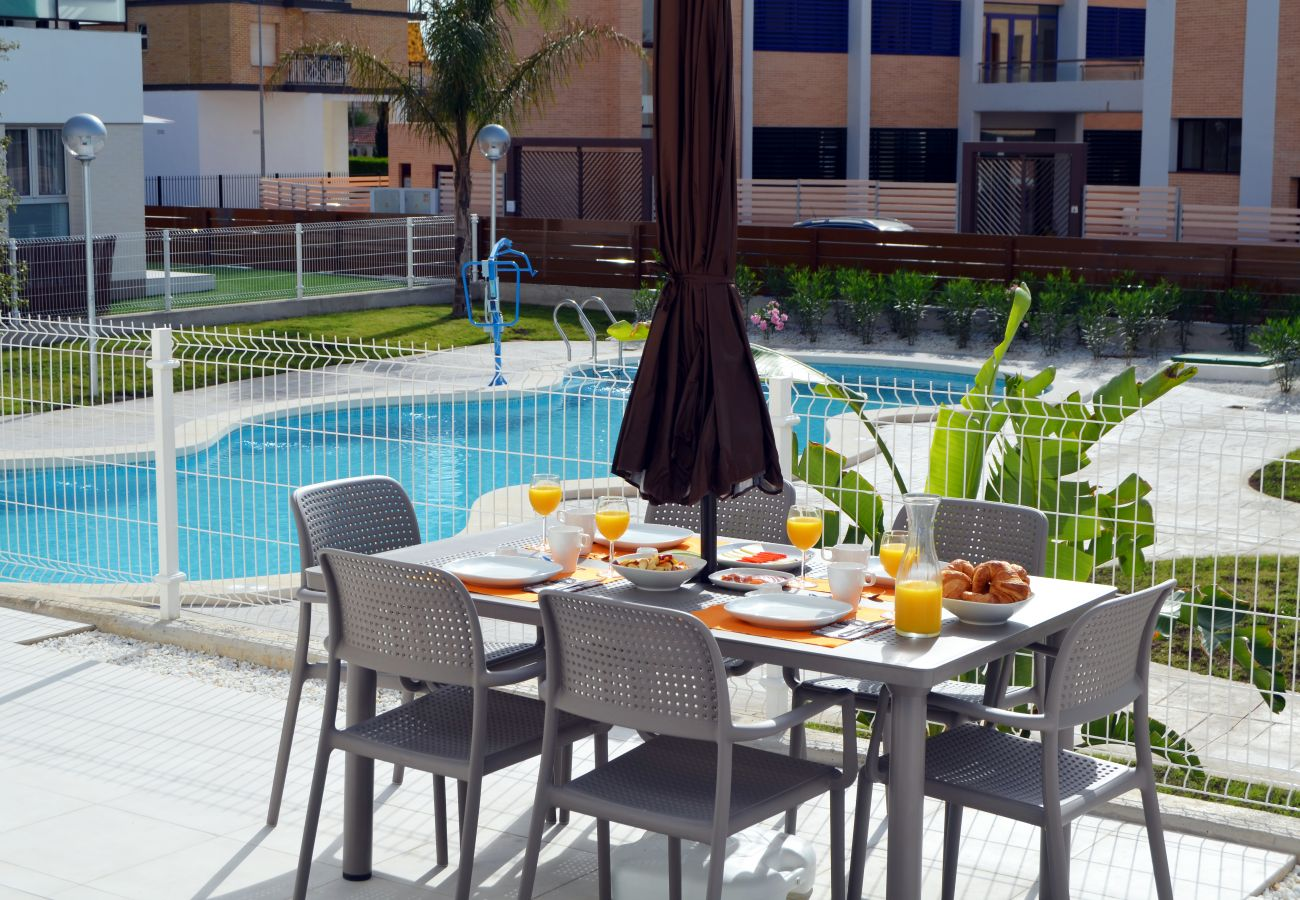 Luxurious apartment with spacious and beautiful swimming pool