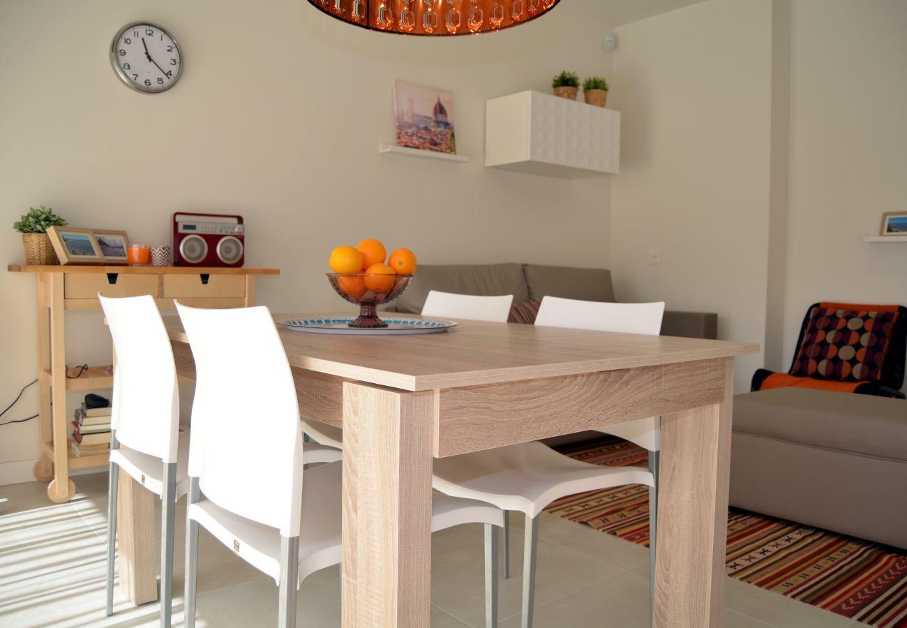 Beautiful dining room of Santiago de la Ribera apartment