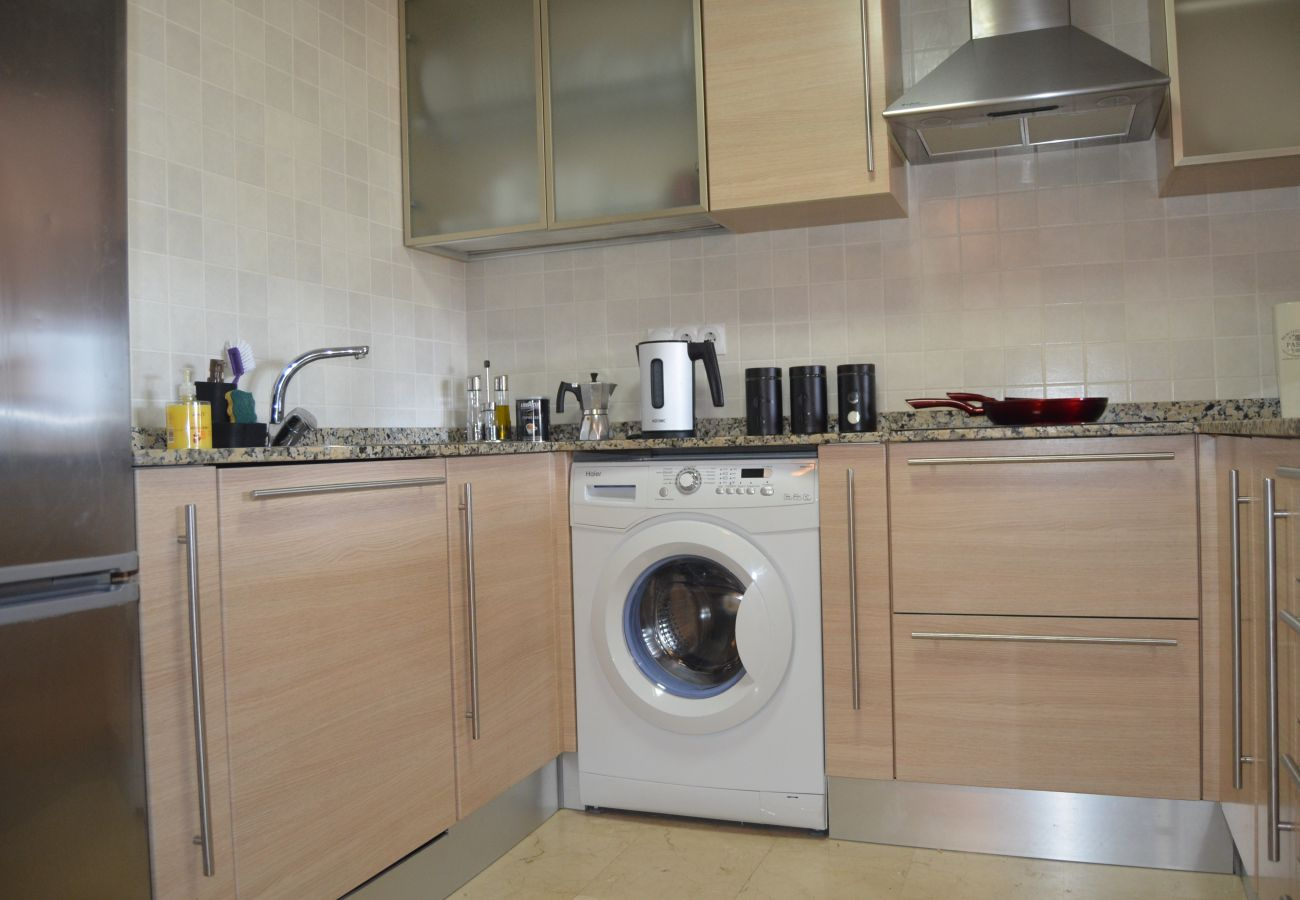 Well equipped kitchen in Buena Vista Apartment - Resort Choice