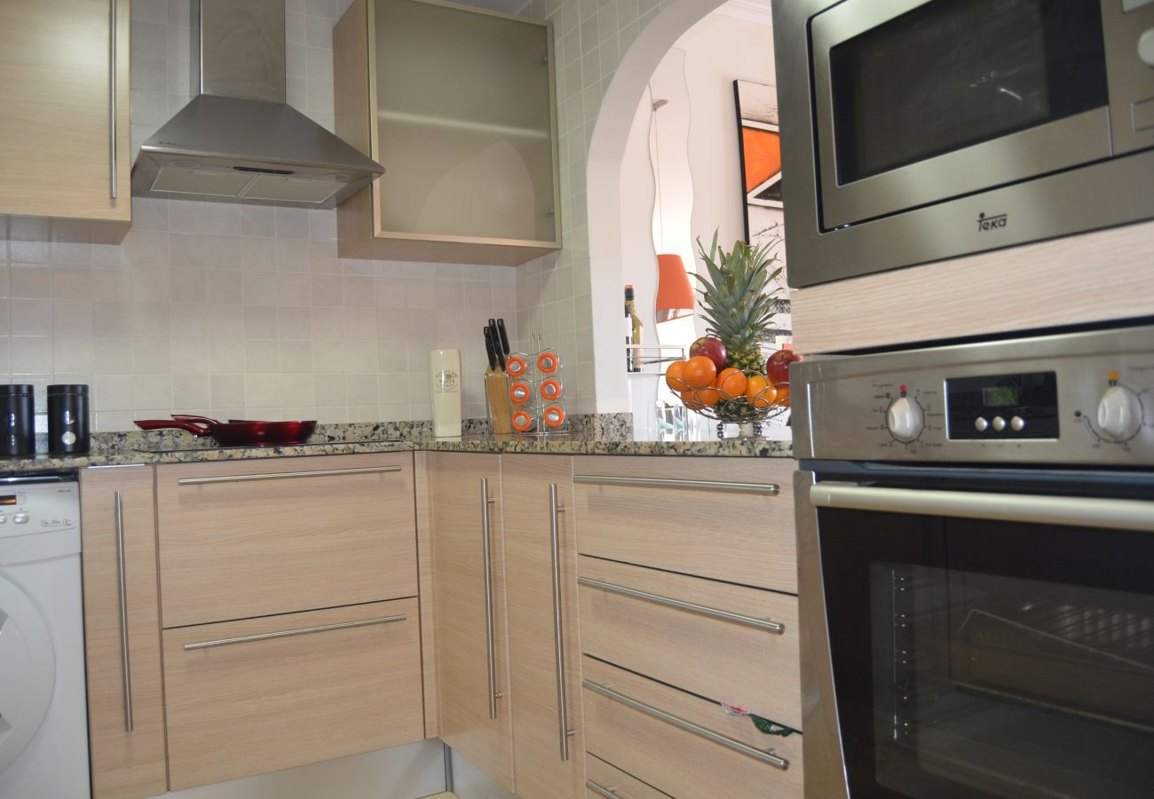 Spacious kitchen with all modern appliances - Resort Choice