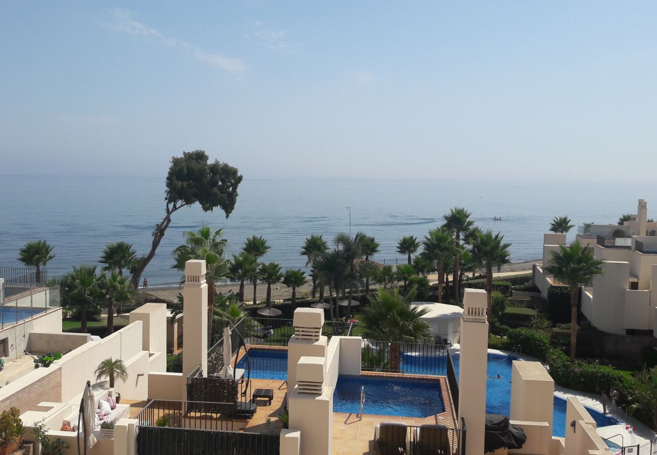Apartment in Estepona - 103 - Beach apartment with Spa & Gym