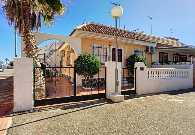 House in Los Alcazares - Casa Oesterayo